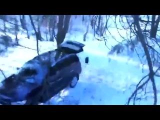Как медведь угнал машину у охотников. Прикольное видео 2014 новинка.