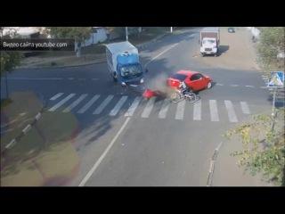 Чудо на дороге: видео ДТП в Люберцах бьет рекорды по просмотрам