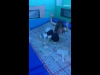 Прост Варька прыгает на попке