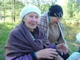 Бабушке хорошо)