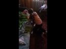 Катя играет в жмурки