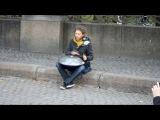 Необычный музыкант у Михайловского парка