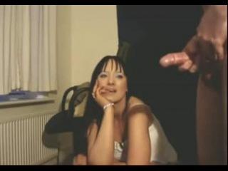 девушка смотрит парень дпрочит