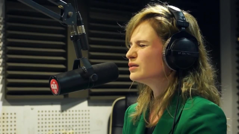 Christine The Queens - Osez Josephine (Bashung Cover) Session Acoustique OÜI FM [2012]