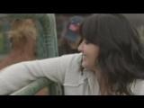 Шеннен Доэрти и Холли Мари Комбз на интервью для  New York Live (2015)