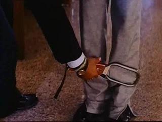 Отрывок из фильма Бадшах Baadshah 1999 6ч