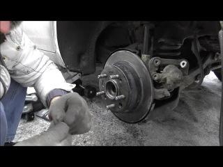 замена задних тормозных колодок и задних тормозных дисков