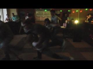 Танец района QWEENS