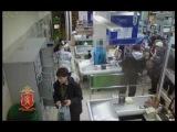Покупатель помог задержать грабителя