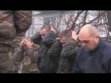 18+ Командир роты Гиви заставил пленных укро-карателей жрать свои погоны. (ДНР, НОВОРОССИЯ)