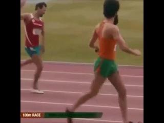 борат бежит