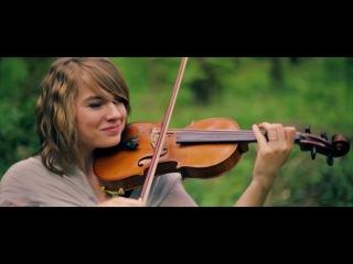 Скрипачка Тэйлор Дэвис исполняет мелодию из «Властелина Колец»