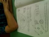 Советы:1.Обязательно прочтите предисловие; внимательно изучите символы заданий(в процессе работы с книжкой обращайте внимание ребёнка на символы,объясните их смысл)2.Работая с «Учишкой»,используйте только карандаши(они обеспечивают оптимальный нажим).3.Перед игровым занятием проверьте осанку малыша,правильное удержание карандаша(на средний пальчик положи, двумя другими подержи)2.Открывайте книжку только для выполнения её заданий, желательно на организованном рабочем месте.4.Важно:всегда,открывая альбом,начи