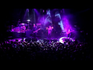 Nothing But Thieves perform Graveyard Whistling at Brixton Electric