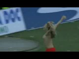 Женский футбол на Украине. Девушка забила гол и показала сиськи.