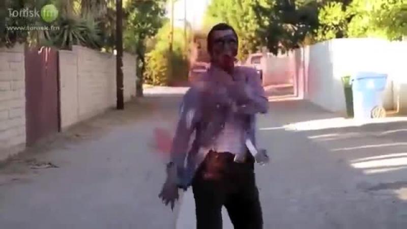 Опа гангам стайл зомби - YouTube_0_1419016245375
