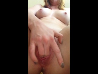 Z0e2r4o:  boneyharpdupree:  #squirt i love to lick the #cum while it drips down her #pretty #pussylips #beebgina #beebcum  damn i want that meaty thing to explode in my face