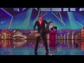 молодая бабушка самбо танцует!!!