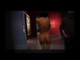 18+ Голая художница разгуливала по музею Германии. Ждут когда теперь оголится канцлер-