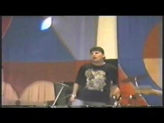 Сектор Газа-Незнакомые места)Концерт с двух камер в К/Т Волга (.г)Юрий Хой Клинских - вокал, гитара (1)   Вадим Глухов