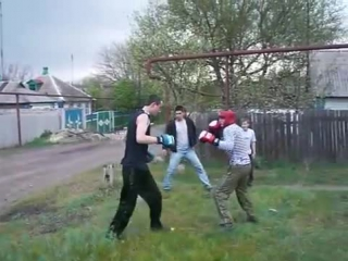 ДРАКА. Городской против Деревенского парня