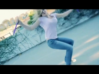 Nikki Stanley. Чемпионка мира по карате и тэквондо, начинающая спортсменка по воздушной акробатике.