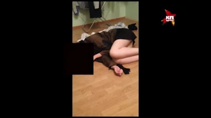 трах пьяной малолетки видео: