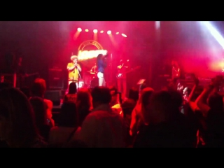 Shocking Red MTV-90 LIVE IN JAGGER