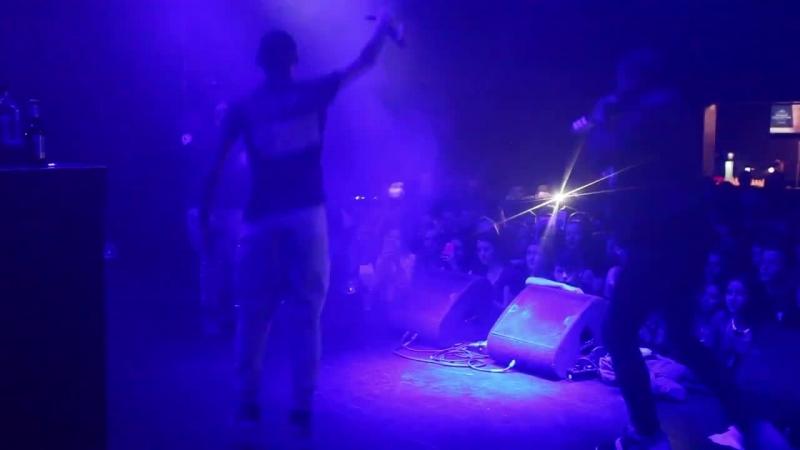 Ravotten (live Grenswerk)