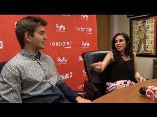 Tara-Reid-Ian-Ziering-and-Sharknado-3-cast-talk-filming-at-Universal-Orlando