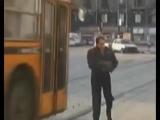Адриано Челентано и автобус! Прикол ходячий