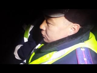Шепетовка,Украина.Украинские активисты ДК поймали инспекторов,выехавших на ночной