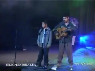 Цыганский мальчик перепел песню А Барыкина - Я буду долго гнать велосипед