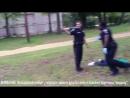 США: полицейский засадил негру в спину 8 пуль, электроды электрошокера и надел жмурику наручники, зачитав права. 08.04.2015.
