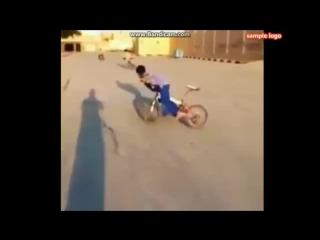 Самый крутой дрифт на велосипеде 8 летний пацан