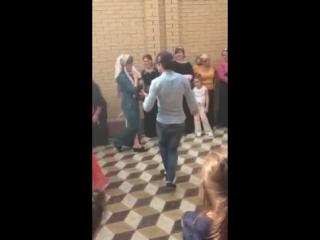 мак свадьба танец