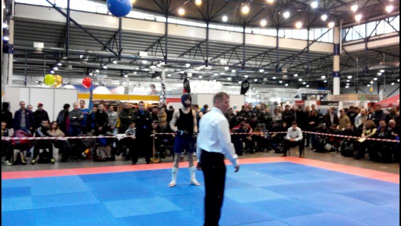 Синьоок Олександр 1 бій 1 раунд