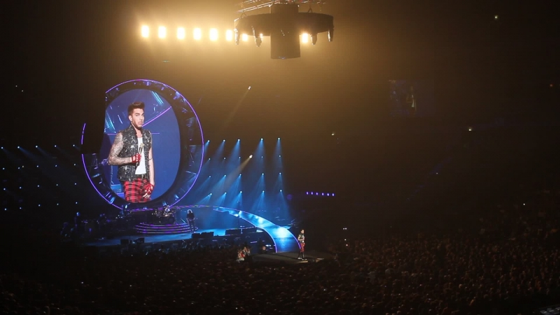 17/02/15 Прага концерт Queen Adam Lambert Адам юморит
