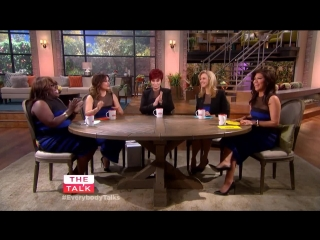 The Talk - Exclusive! Sara Gilbert's Baby Announcement & First Photo Rus Sub