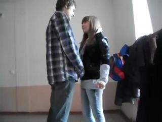 Парень так классно признался в любви девушке в школе прикол
