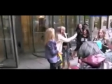 Tara-Reid-steps-out-in-torn-jeans-and-signed-autographs