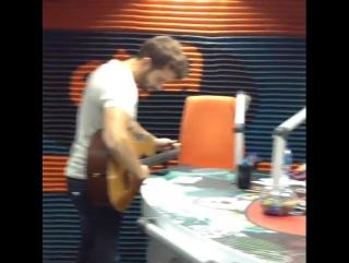 Pablo alborán en la radio ecuatoriana exa fm