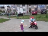 Все девочки любят мальчиков на мотоцикле )