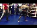 Omari Broi ( European Champion and the King's Cup in Thailand Muay - Thai professionals ) vs Professional Kik-boxer