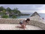 Видео с простыми упражнениями из йоги с Тарой Стайлз, которые помогут при болях в спине.