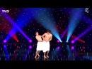 Танец голых мужчин на большой сцене
