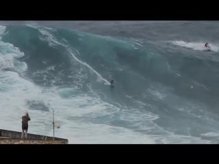 Серфинг на огромных волнах