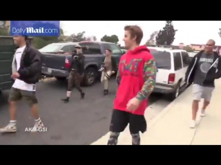 Justin Bieber Goes Running _ Playing With Kids in Los Angeles, California