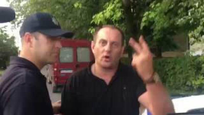 Відео Mukachevo.net: П'яний ДАІшник накинувся на поліцію і журналіста