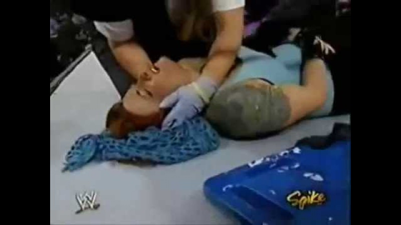 Kane vs Snitsky (Lita Goes To The Hospital) 9-13-04